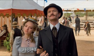 A Million Ways to Die in the West Amanda Seyfried and Neil Patrick Harris
