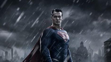 BATMAN V SUPERMAN: DAWN OF JUSTICE – 1st Image of Henry Cavill as Superman!