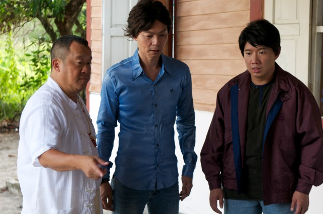 Eric Tsang with male leads Mark & Chapman in King Of Mahjong