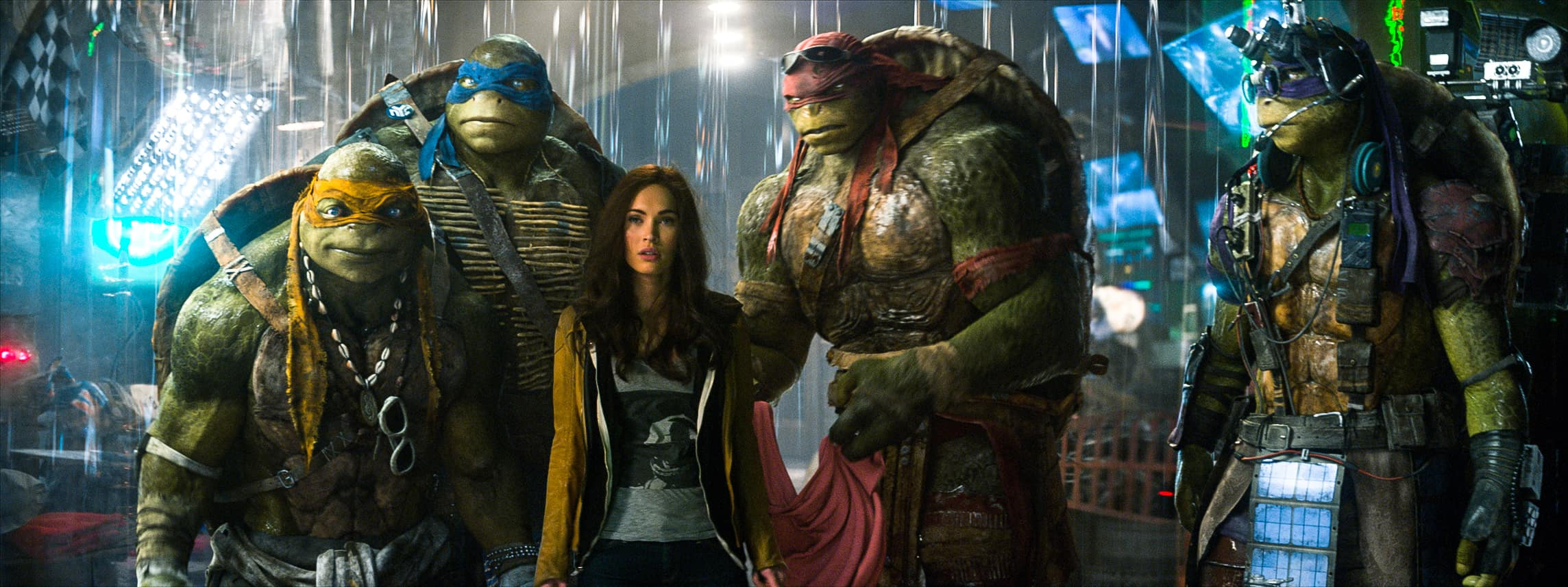Megan Fox wishes Singapore on it's National Day, and other TMNT featurettes