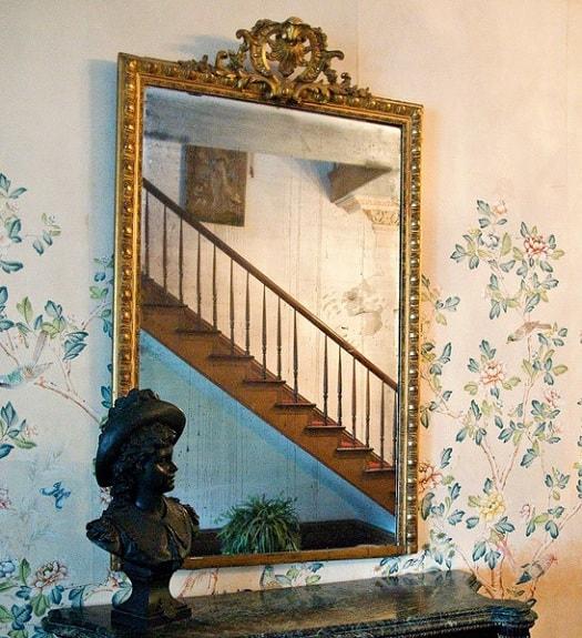 haunted_mirror_myrtles_plantation