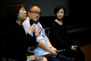 Red Amnesia director Wang Xiaoshuai (centre) with his producer Liu Xuan at the post-screening discussion - photo by Ho Choon Hiong