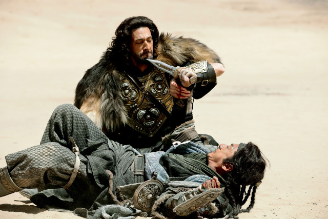 Dragon Blade - duel between Jackie Chan and Adrien Brody