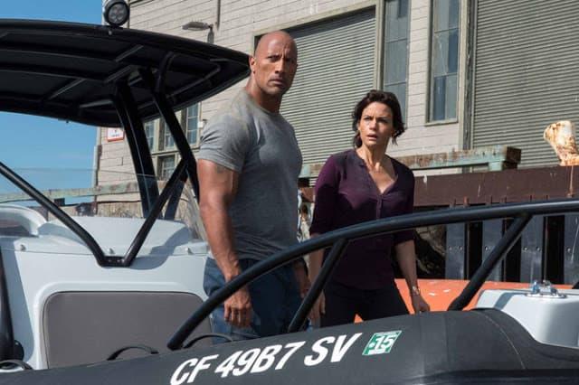 San Andreas Dwayne Johnson and Carla Gugino