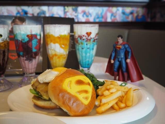 Supermans-Free-Range-Chicken-Burger