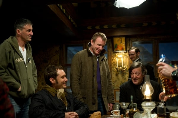 Sherlock Holmes: A Game of Shadows – Cast & Crew interview